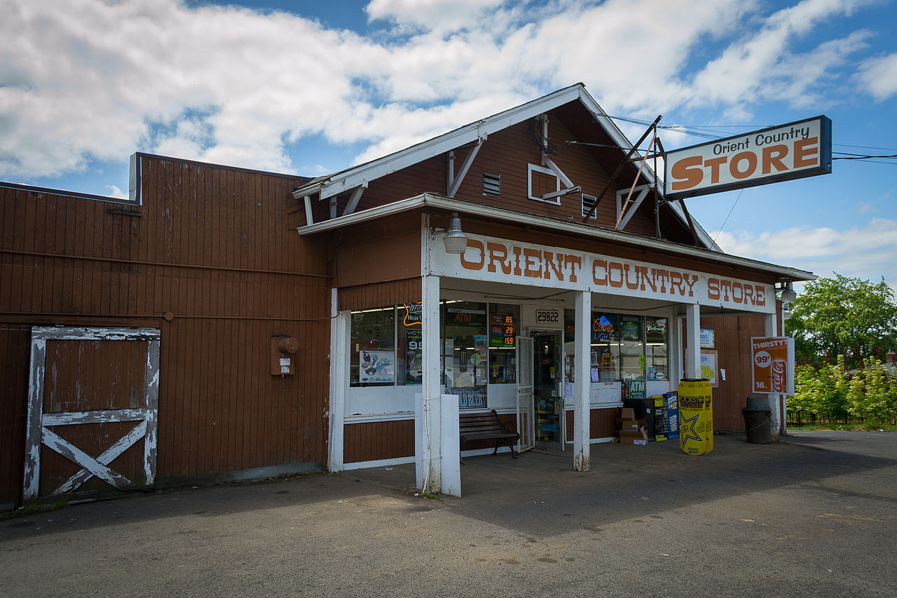 1280px-Orient_Country_Store.jpg