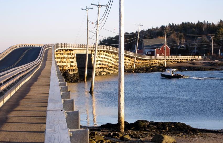 Cribstone_Bridge_Maine.jpg