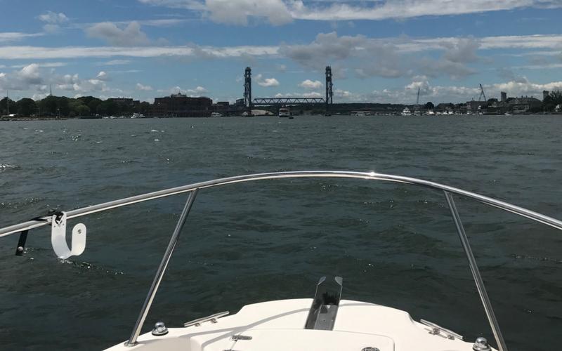 New_Hampshire_marina_harbor_entrance_Portsmouth.png
