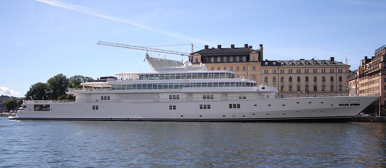 Rising_Sun_Yacht.jpg