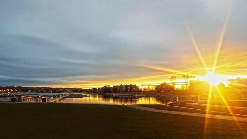 lake_michigan_sunset_bay_harbor_lake_marina.png