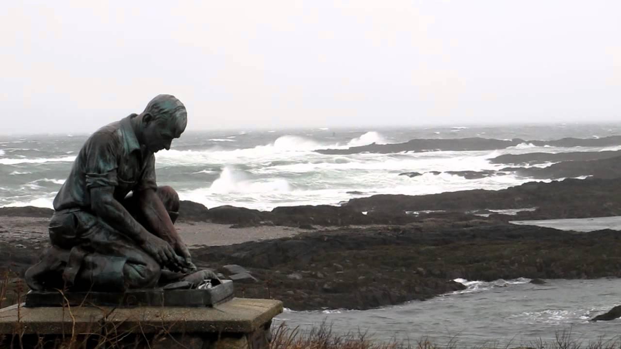 lobsterman_statue_maine.jpg