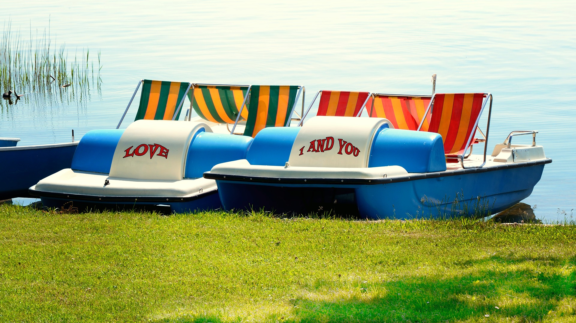 pedal-boats-796455_1920