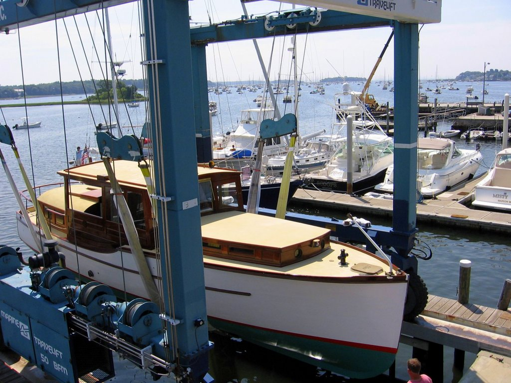 Discover Burr Brothers Boats Inc.
