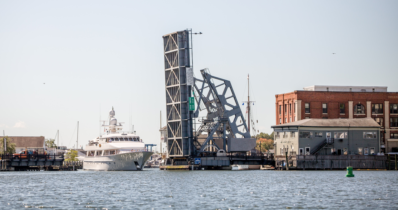 Large motoryacht transiting Mystic Highway Bridge.jpg
